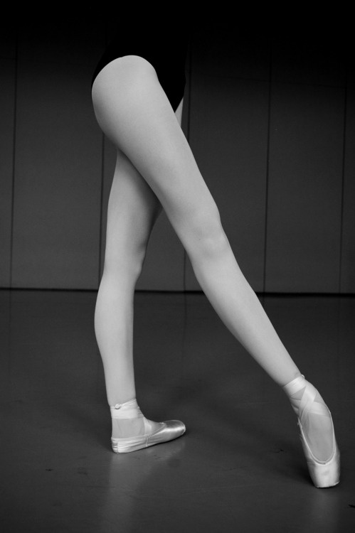 : Dance Stuff, Point Shoes, Awesome Dancers, Ballet Point, Ballet Leggings, Ballerinas Leggings, Ballerinas Beauty, Ballet Dance, Perfect Leggings