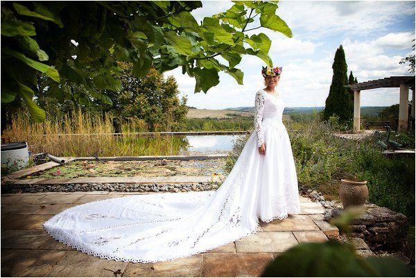 £35 wedding dress | Image by Lydia Taylor-Jones, read more http://www.frenchweddingstyle.com/80s-inspired-wedding-france/