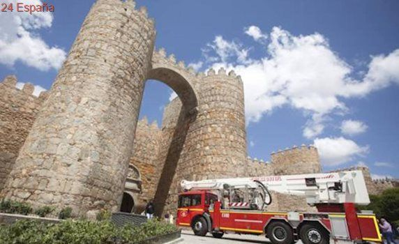 La lluvia provoca dos desprendimientos del mortero de la muralla de Ávila