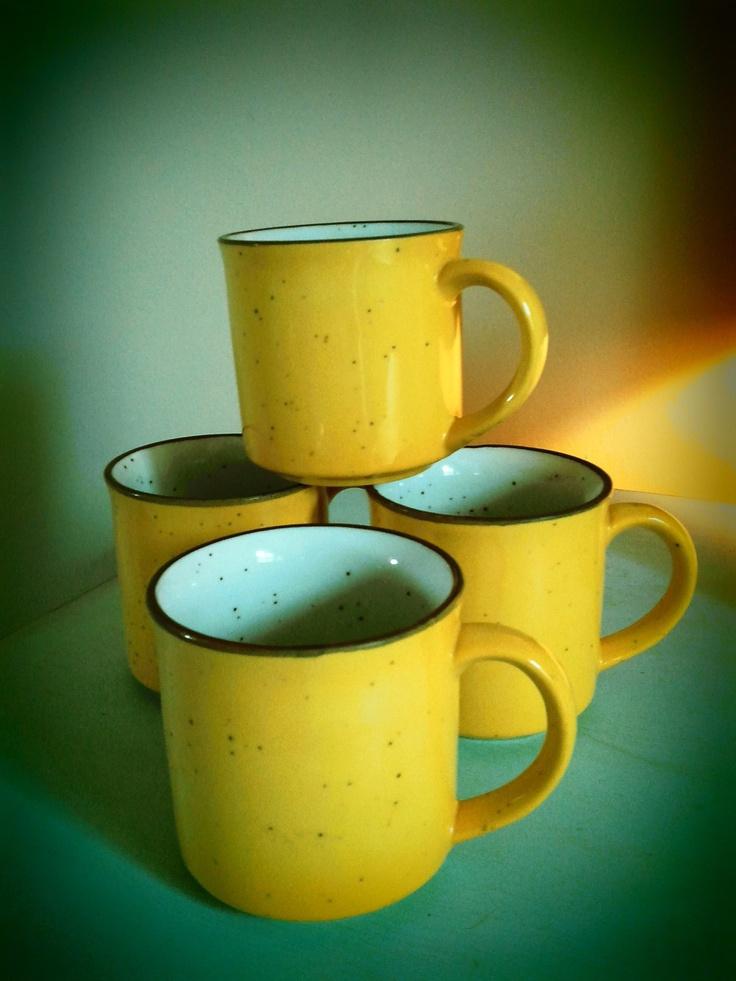 Set of 4 Sunshine yellow, speckled, vintage coffee mugs
