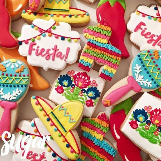 Fiesta wedding cookies / http://www.himisspuff.com/colorful-mexican-festive-wedding-ideas/7/
