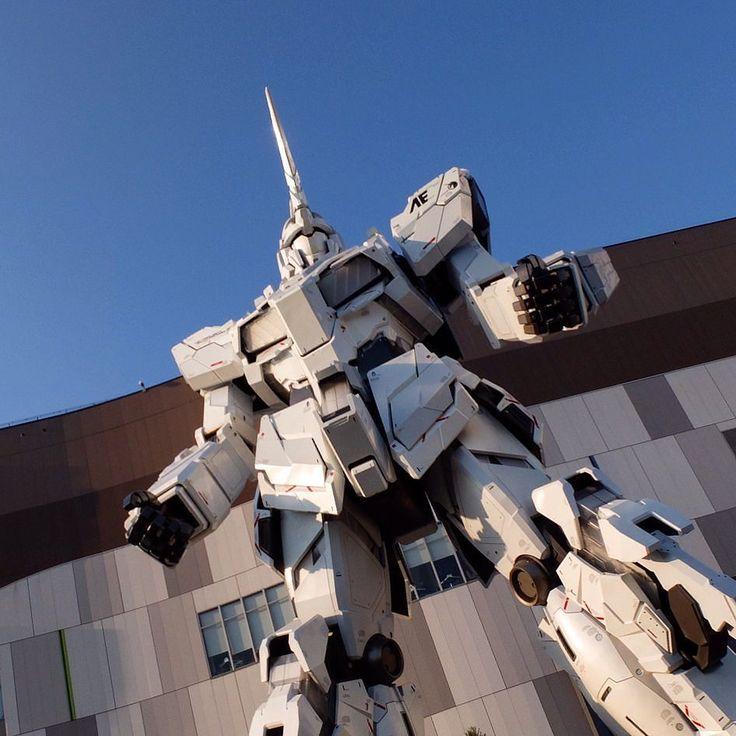 Day 133  Facing a 20m high robot in Tokyo bay.  Crazy Japan   #gundam #robots #odaiba #tokyo #japan #travel #310