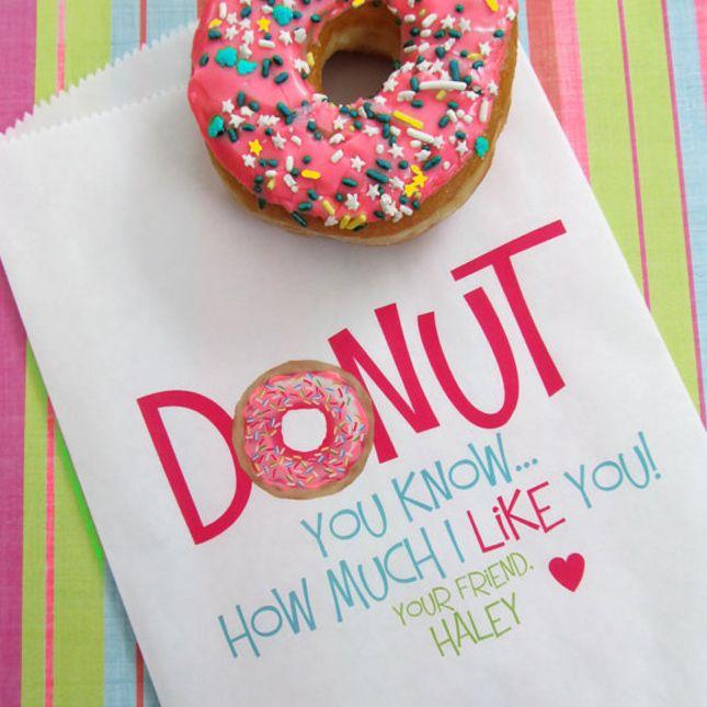 Love this DIY donut Valentine's Day Valentine card.