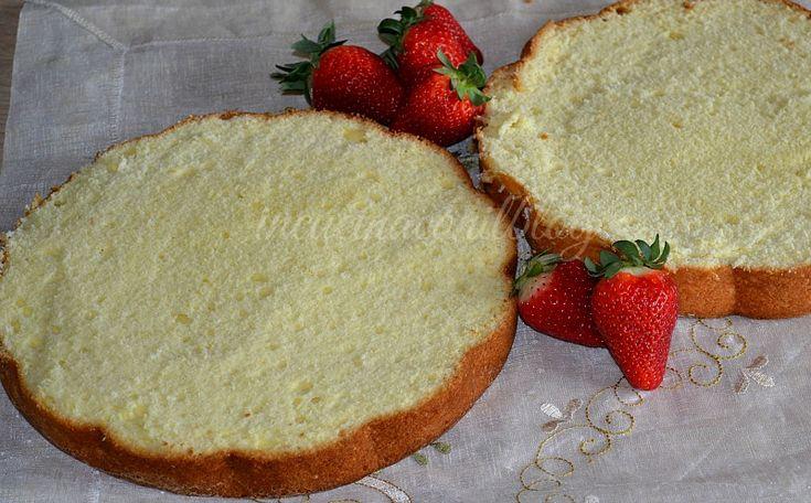 Questa TORTA BASE DA FARCIRE ha un ricordo molto importante per me. Era in assoluto la torta di compleanno che si preparava in occasione del compleanno di mia nonna. La ricetta è della Bertolini