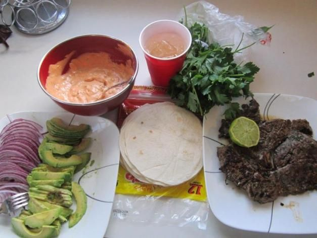 Marinated Skirt Steak Tacos with Chipotle Sauce: Recipe Diva, Diva Invites, Sauce Recipes, Chipotle Sauce, Skirt Steak Tacos, Therecipediva Com, Easy Recipes, Favorite Recipes, Marinade Recipes