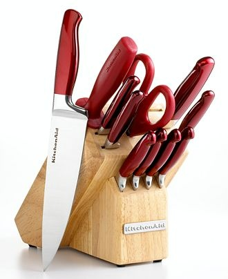 KitchenAid Knife Set in Red - love!! I need new knives too!!