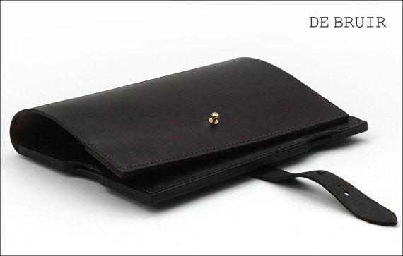 Leather iPad Case by Garvan de Bruir