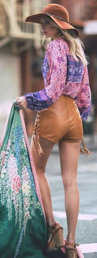 #spellandthegypsycollective #boho #outfits |  Floral Blouse + Camel Leather Shorts