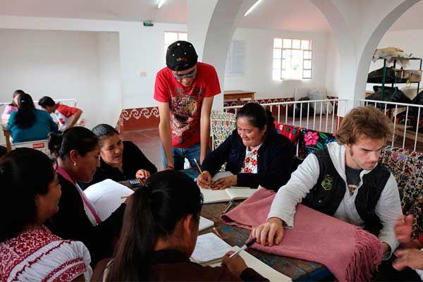 Ibero y Universidad Loyola impulsan transformación social
