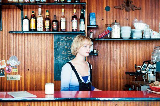 DENMARK デニッシュ発祥の地で、色とりどりのカフェをめぐる
