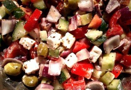 http://www.nosalty.hu/recept/eredeti-gorog-salata