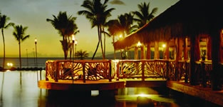 Humuhumu restaurant at the Grand Wailea Resort in Maui.  Best place to eat and watch the sun set!