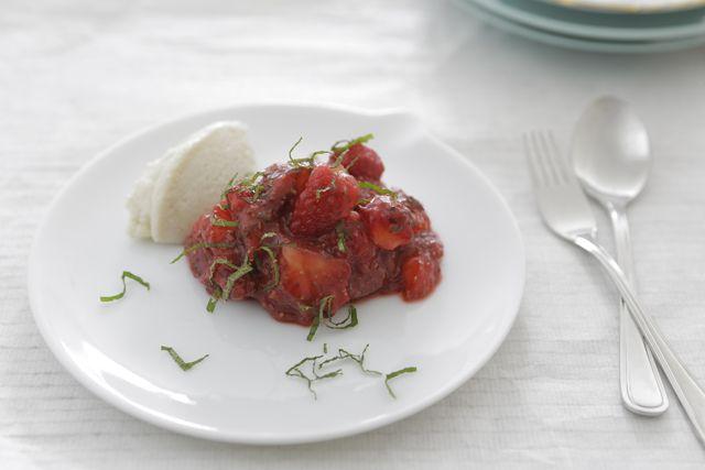 Strawberries + dairy free Cream /// Aardbeien + zuivel vrije Room