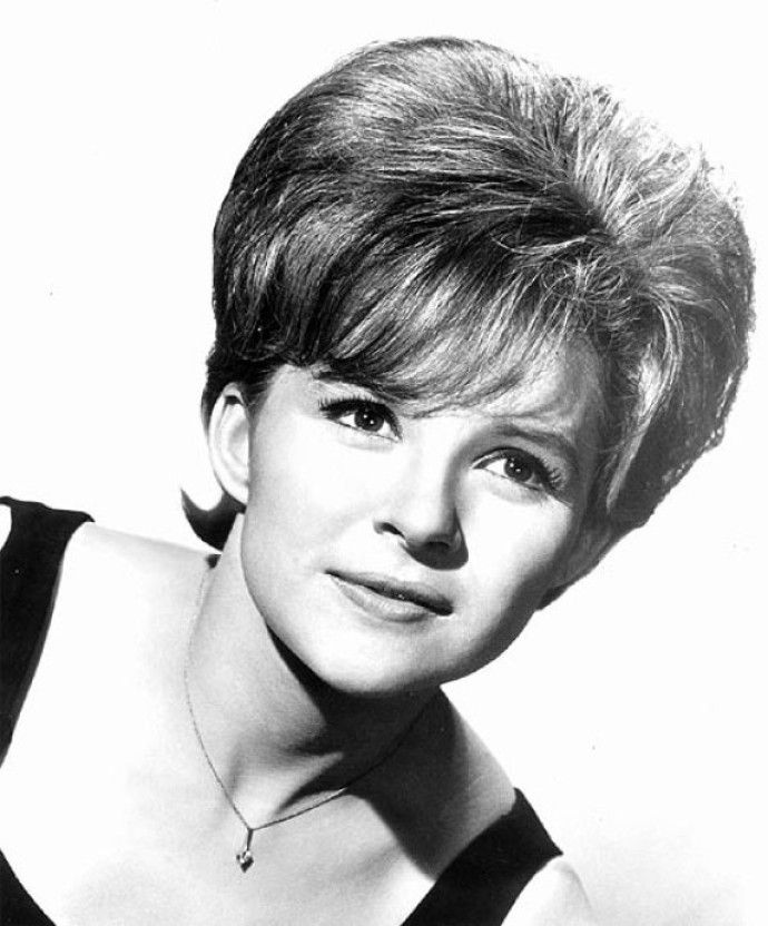 """Brenda Lee ... """"So Sorry"""" and other great hits"""