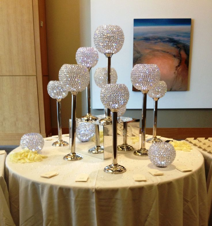 Crystal Globes With A Mirror Box For Creative And Dazzling Design