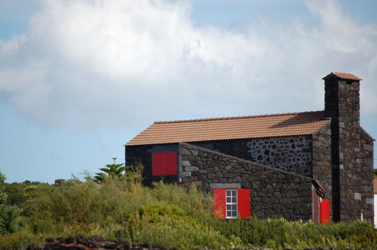 Pico / Azores / tipical old house