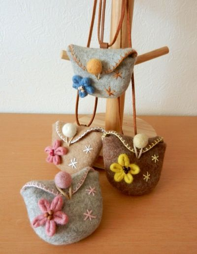 little felt bag for the little girl in the house