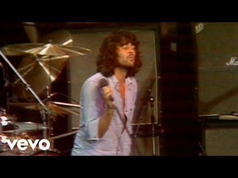 Deep Purple - Smoke On The Water (Live) - YouTube