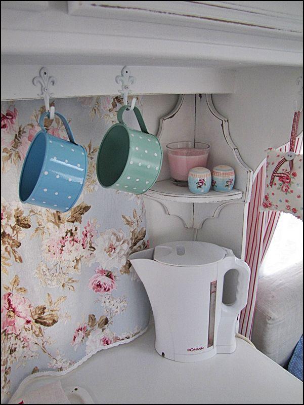 camping car r tro camping caravan ideas and caravan renovation. Black Bedroom Furniture Sets. Home Design Ideas