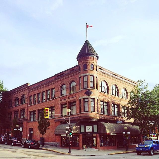 Great shot of one of #NelsonBC's beautiful downtown #heritage buildings!