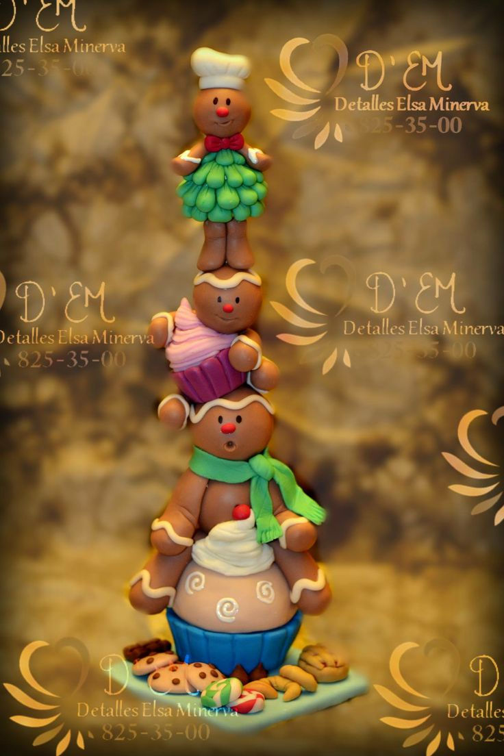 Gingerbread cookie family.