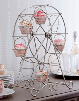 Neiman Marcus Cupcake Ferris Wheel! Super cute!
