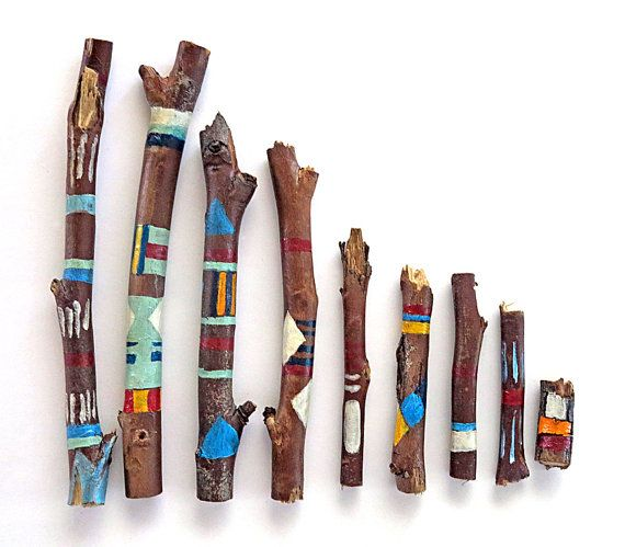 Sticks painted with acrylics and coated with a clear varnish. Sticks are sanded, washed and dried before painting. Lovely for decoration. Need different quantity please feel free to contact me