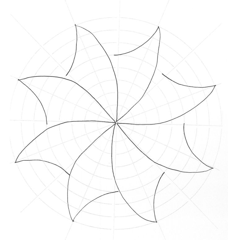 A great swirly pinwheel drafted on the circle master grid.  Next photo will show you how to fill it in.