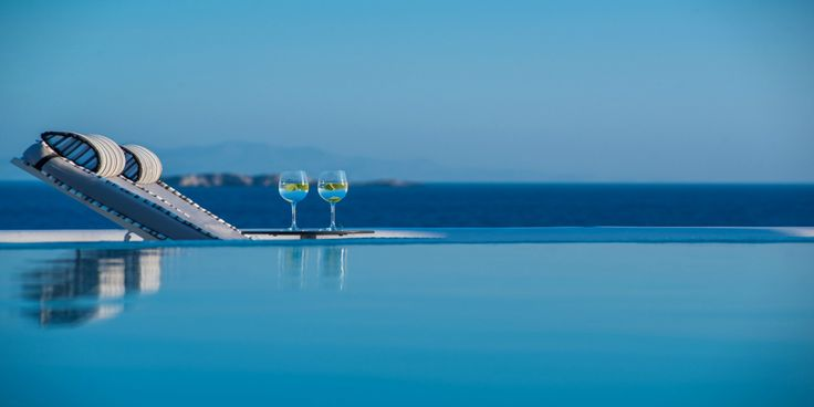 Delay no more as #summer #holidays can't wait!  Book now and save 30% off for your booking! #DelightHotel #Discount #Travel #Mykonos #Greece