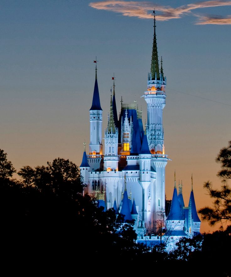 Disney was DESERTED during Hurricane Matthew and it made for some amazing photos