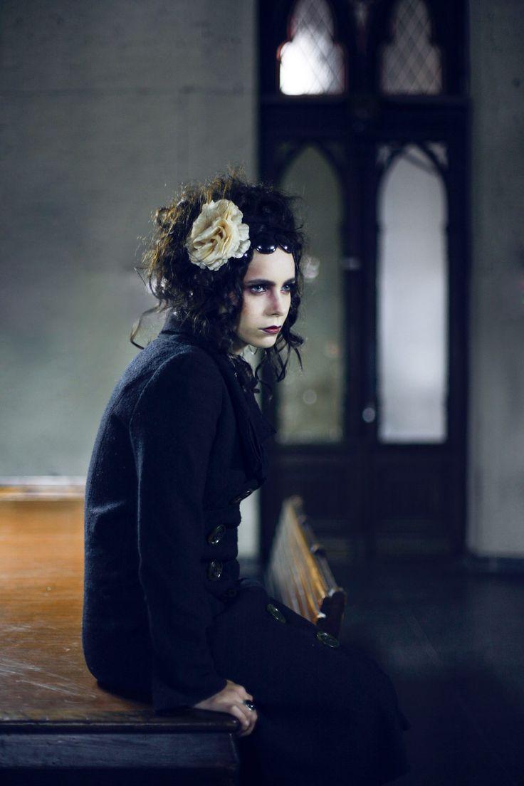 Makeup Y Peinado inspiracion Tim Burton... Para UNIVERSIDAD DE PALERMO. Carrera Produccion de Modas.