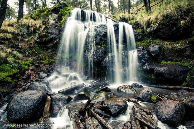 Cascada en el parque Izta-Popo