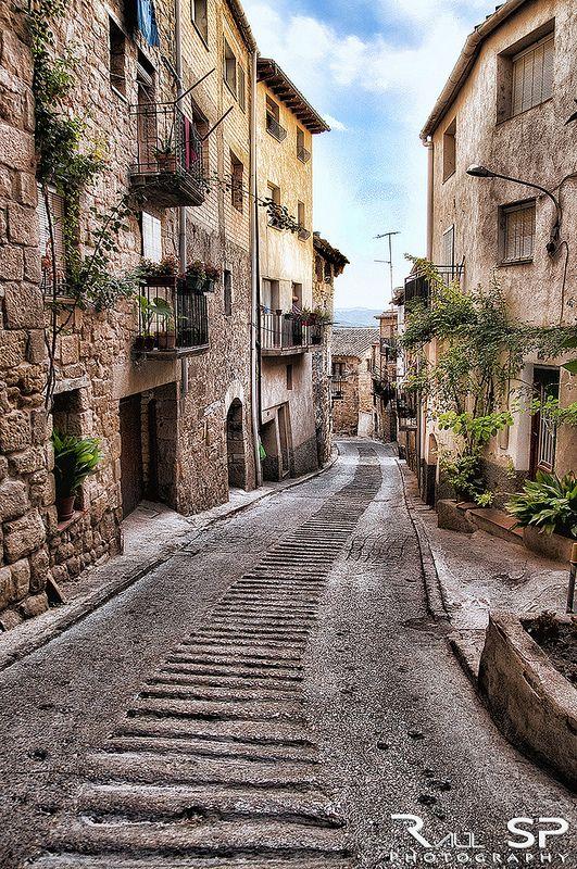 Otra calle de Horta de Sant Joan                                                                                                                                                                                 Más