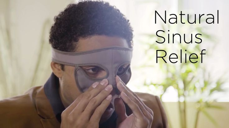 A self-heating face mask that warms up your nose and surrounding areas to relieve sinus pressure & symptoms of runny noses.