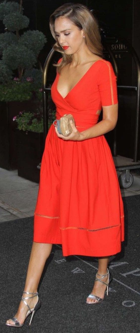 6 Celebrity-Inspired Bridal Shower Outfit Ideas: #1. Bright Dress Worn by Jessica Alba