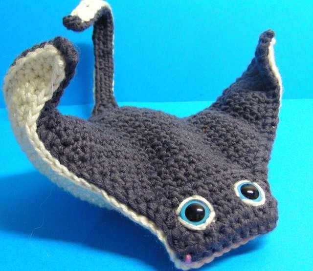 Super Easy Manta Ray Crochet Pattern