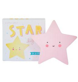 Nachtlampje ster roze kinderkamer babykamer meisjes Super cute sterrenlampje in roze. Geeft een mooie, zachte gloed in het donker. Dit vrolijke lampje is gemaakt van BPA-, en loodvrij PVC. Doordat er een LED-lamp in zit wordt het materiaal niet heet en kan het veilig door kinderen gebruikt worden. Je kunt kiezen of je het lampje aan, uit of op timer zet. Wanneer je de timer inschakelt, gaat het lichtje na 15 minuten automatisch uit. Dat spaart de batterijen en is beter voor het milieu!