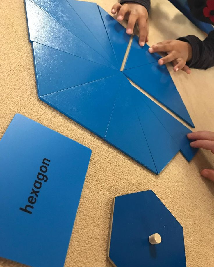 """252 mentions J'aime, 6 commentaires - Westside Montessori School 🇨🇦 (@westside_montessori) sur Instagram: """"Building polygons and making connections with the different materials ... #wmsgeometry"""""""