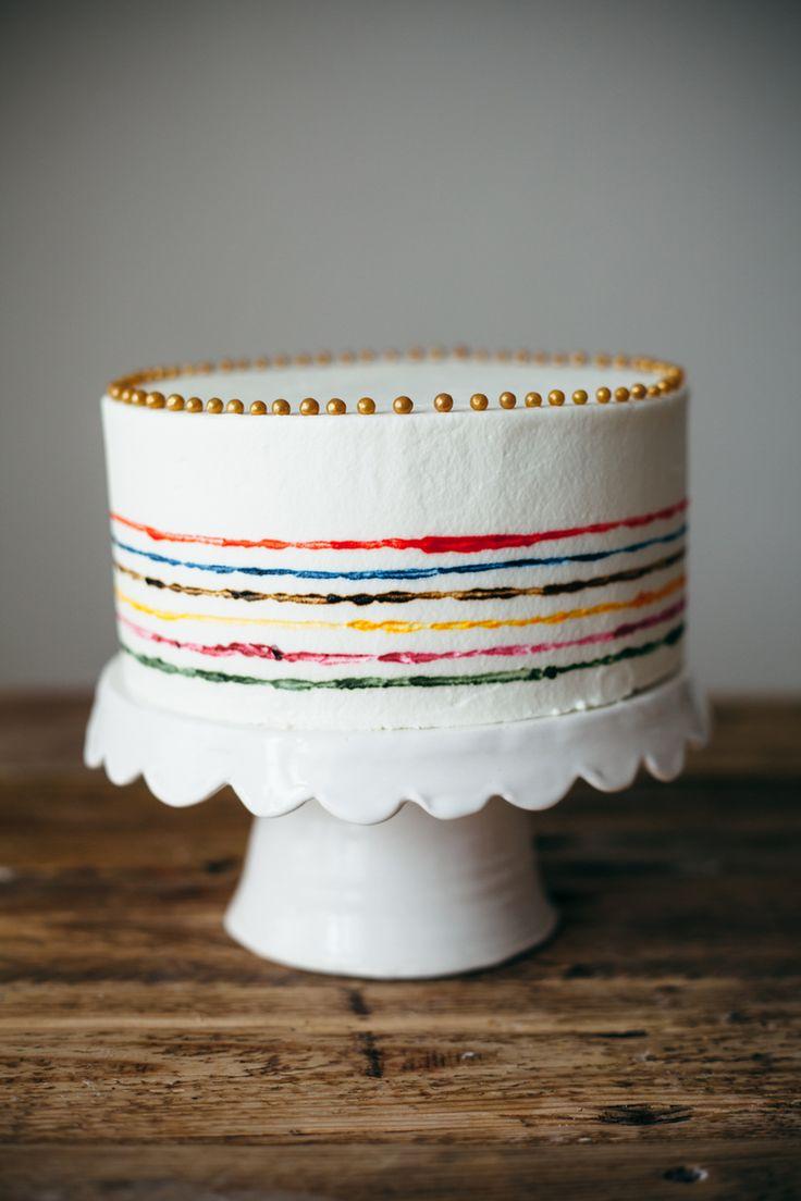 Необычное использование пищевого красителя в украшение торта