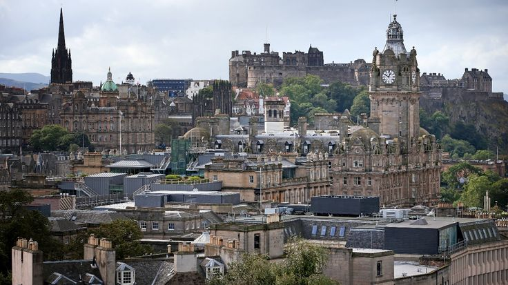 Drivers fined 30 after app wrongly told them Edinburgh had free parking - ITV News