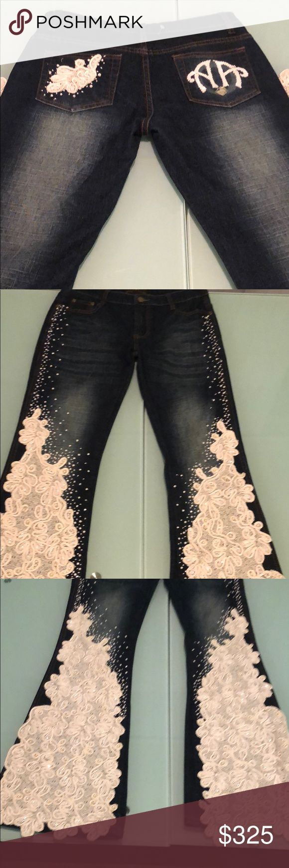 Brand New Amanda ADAMS embroidered bootleg jeans✨✨ ✨Flawless never worn ✨Beautiful Embroidered design  ✨Pearl and Sequin accents Amanda Adams Couture Jeans Boot Cut