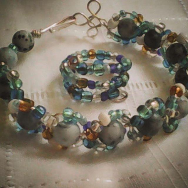 #bracelet #handmade #beaded #silverwire #blue&silver