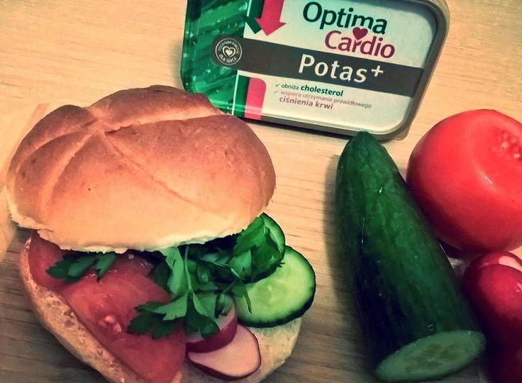 Kanapka musi być kolorowa a zwłaszcza zielona 😋 #optima #optimacardiopotasplus #papu #jedzenie #food #optymalnewybory #streetcom #serce #jedzzdrowo https://www.instagram.com/p/BRi_Ew1lWmm/