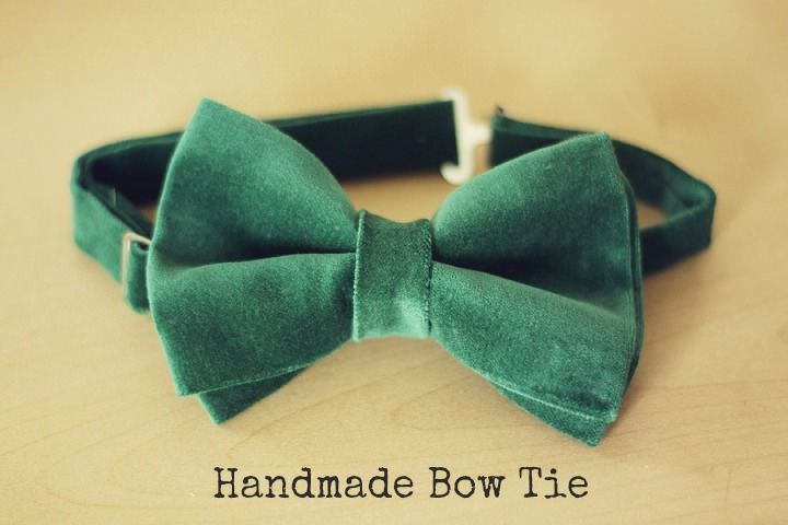 DIY Tutorial: Handmade Bow Tie - These bow ties are really simple to make and can be made in so many different fabrics that your colours options are endless