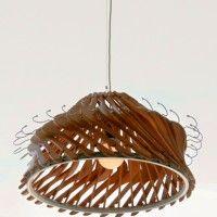 Lámpara con perchas recicladas   -   Lamp with recycled hangers   -   Lampadari con grucce riciclate