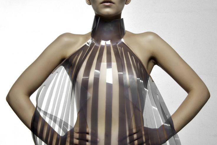 #fashion #wearabletechnology #intimacy #studioroosegaarde #lust #hypercolour #freakyfreezies #alexanderwang #moodring #plastic #copper #e-foils #transparent #hightech #technology #sexual