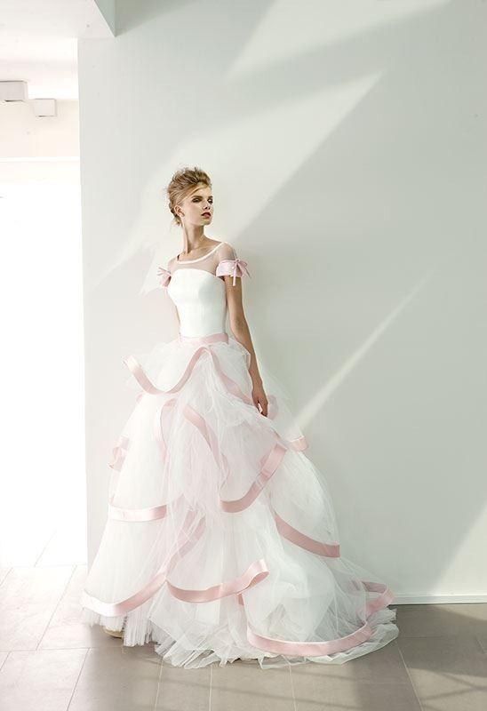 Collezione 2014 Elisabetta Polignano - abito da sposa con balze color rosa #wedding #weddingdress  http://elisabettapolignano.com/