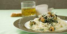 Капеллини с рыбой и шпинатом