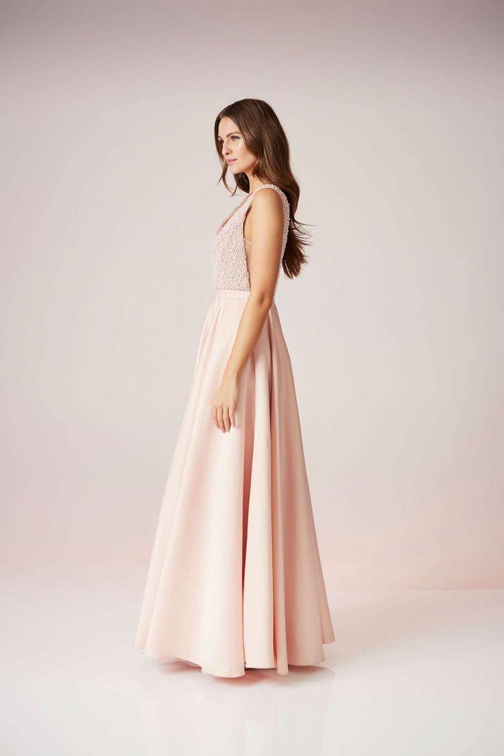 Was für ein Kleid! Das Abendkleid von Unique verzaubert auf den