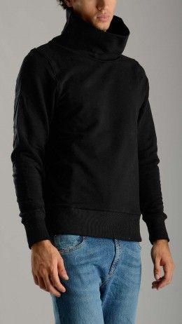 High collar black sweatshirt